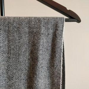 Herringbon pattern scarf